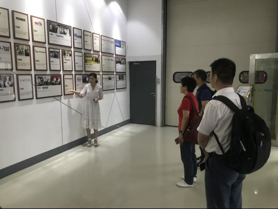 检测学院赴海克斯康测量技术(青岛)有限公司洽谈合作