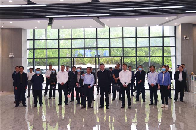 吉林省副省长安立佳一行莅临中国足彩网专题调研